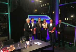 Ruud Vodegel aan tafel in de talkshow Business 010